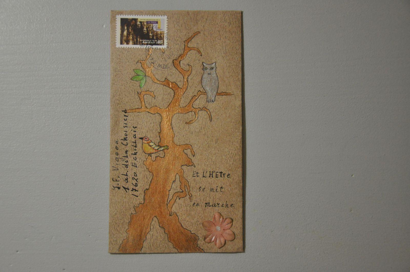Merci à Geneviève Brandebourg pour cet envoi original et sa belle carte à l'intérieur!