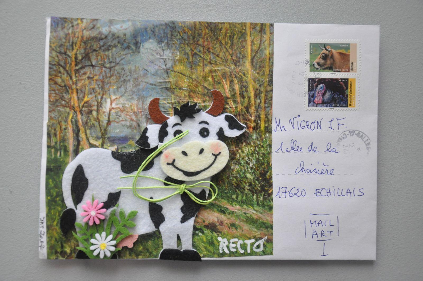 """Merci beaucoup à Jean-Michel Trouche qui malgré cette période estivale écrit haut et fort habilement : """"Vive l'Art Postal""""!!!!!!!!!!!!!!!!!!!!!!!!!! A noter la bienveillance de notre amie La Poste qui à enveloppé de ses soins un envoi de Jean-Michel!"""