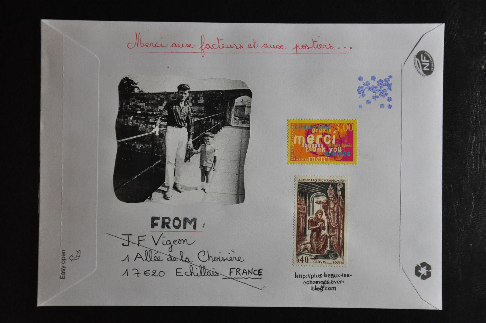 Voici la première enveloppe d'une série...Jean-Pierre qui n'est d'autre que mon papa va ainsi voyager partout dans le monde à des adresses fictives en espérant que mes envois seront retournés à l'expéditeur.