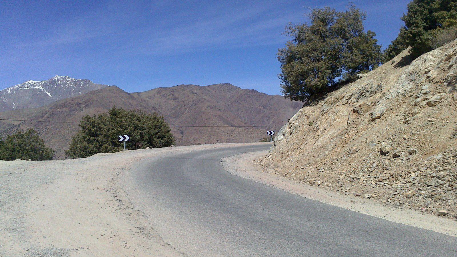 de marrakech au col de tizi n test une montée continue sur 200kms
