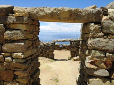L'île del sol au passage des restes préinca et inca