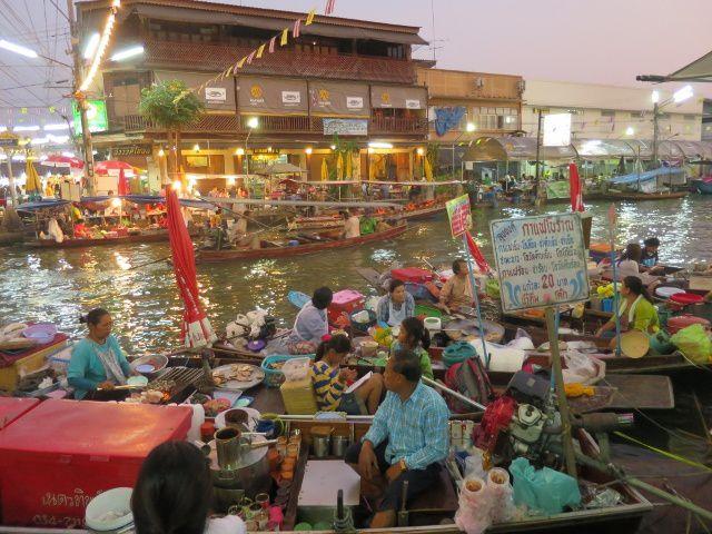 le marché flottant de Amphawa