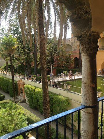 l'Alcazar et ses magnifiques jardins.