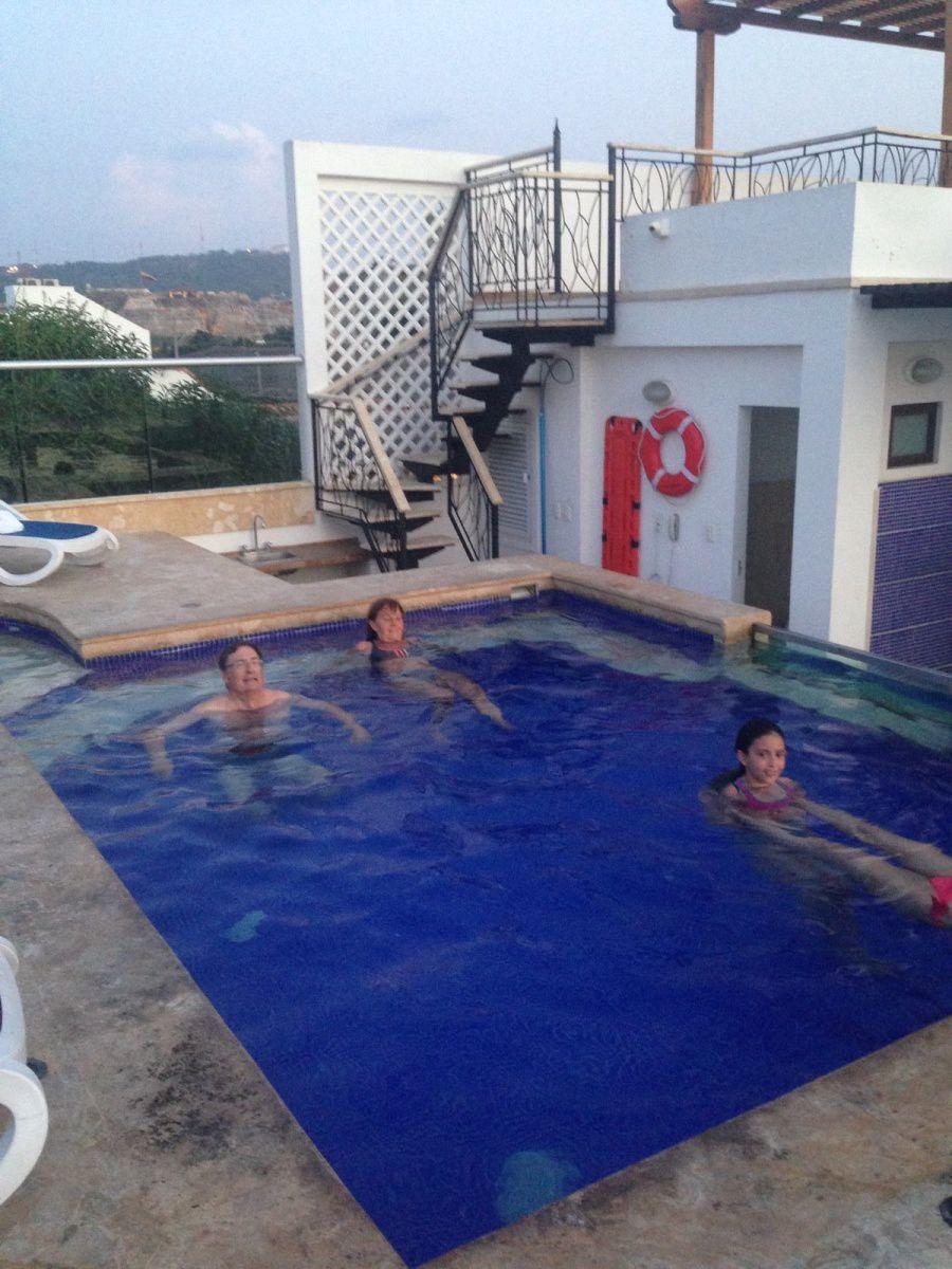 La nuit tombe sur Cartegena, retour à l'hôtel et piscine.