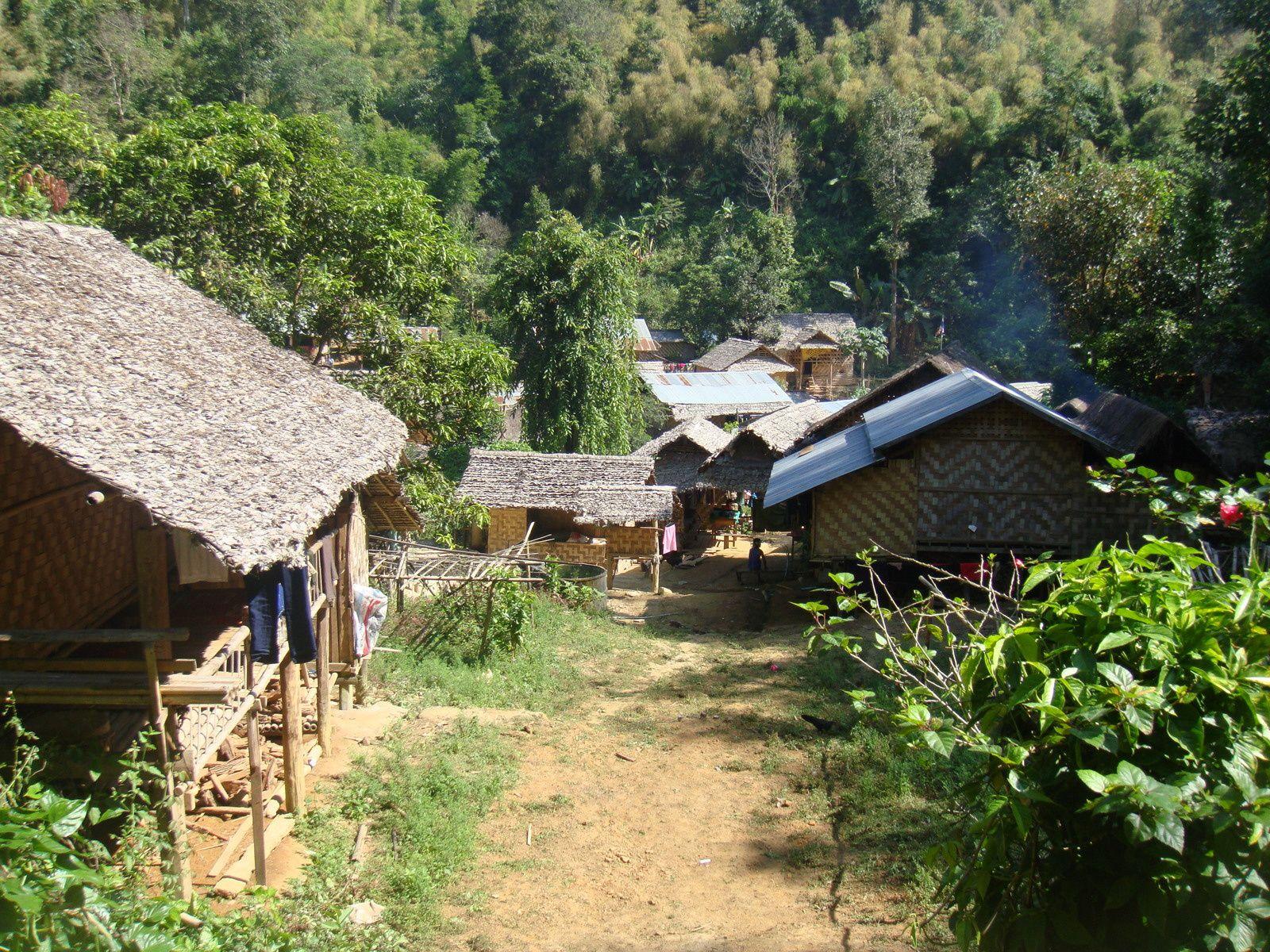le village et son église St joseph avec St Joseph gardien des lieux