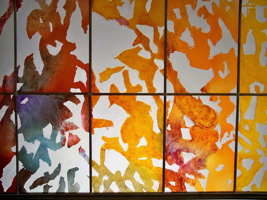Des vitraux pour la joie d'y voir quelque chose d'autre.... Liberté de l'esprit :)