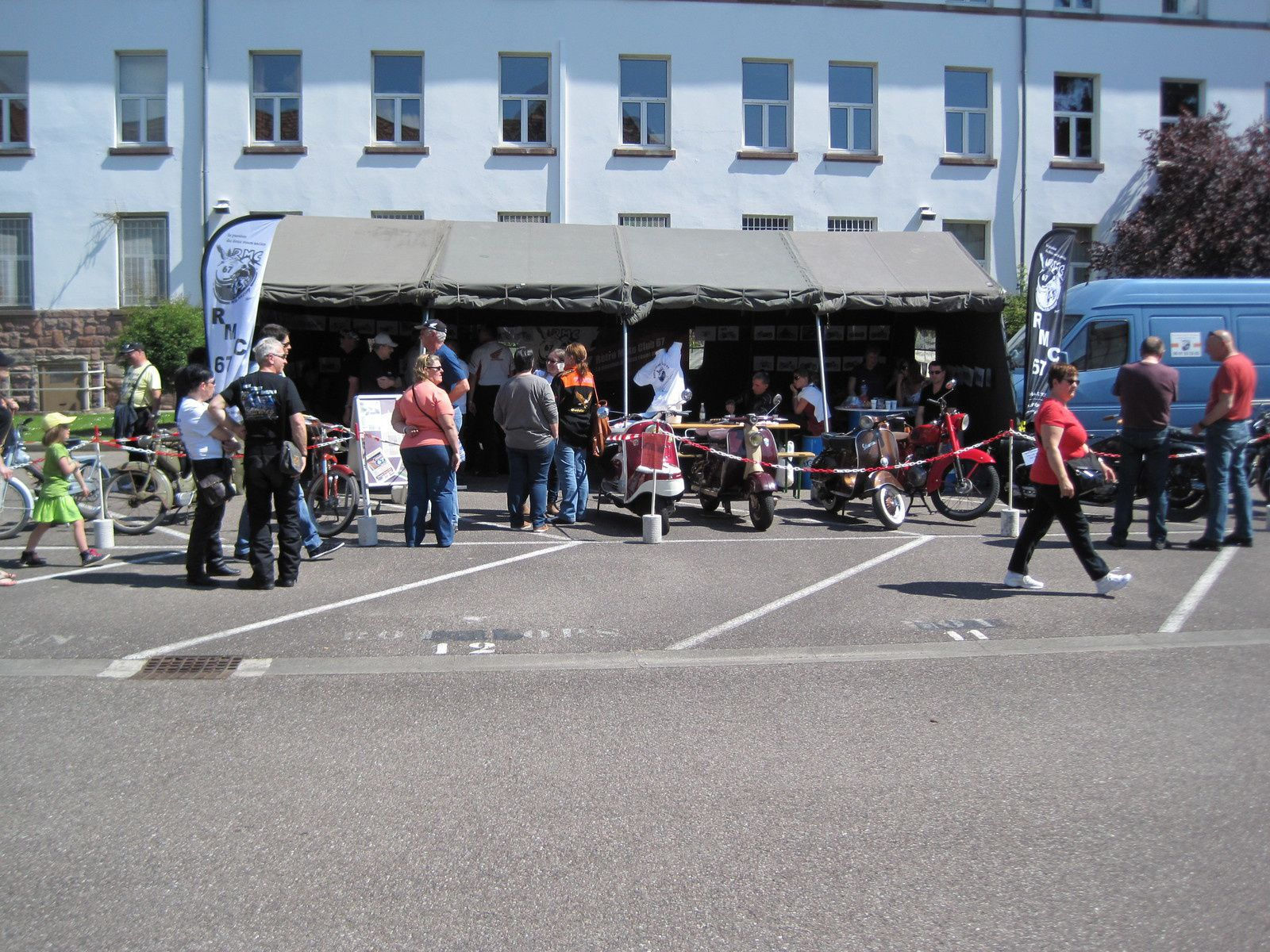 Expo aux portes ouvertes d'un régiment militaire