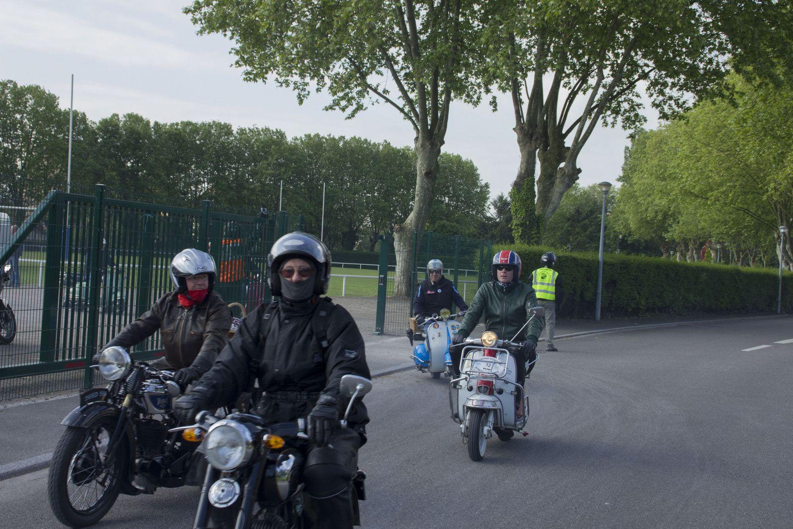 Lieu de départ de la rando rétro moto 2015. Stade du Holtzplatz, rue des sports, Molsheim (Alsace - 67)
