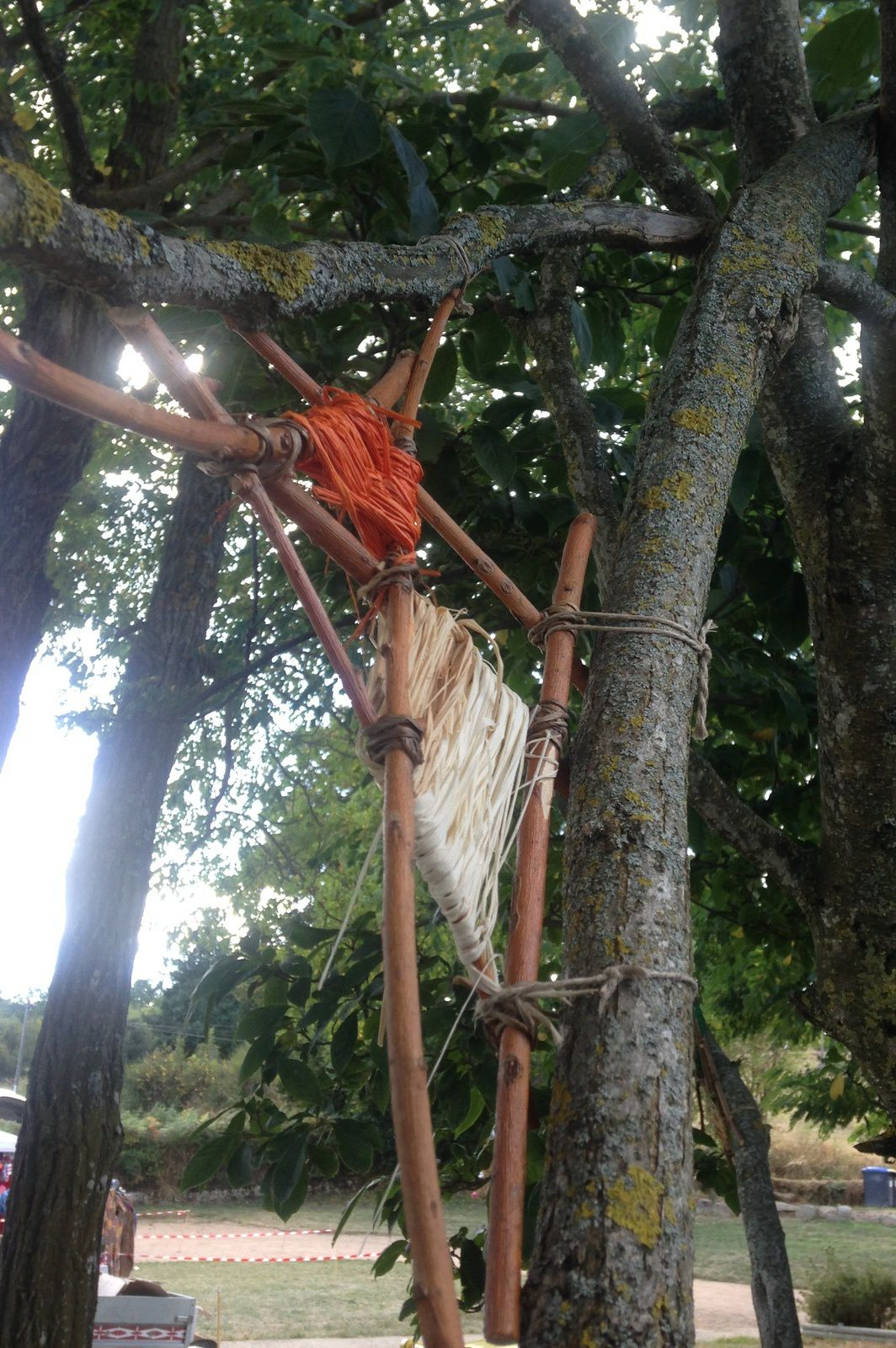 land art -tissage de bois-fayet le chateau- charlotteblabla blog-