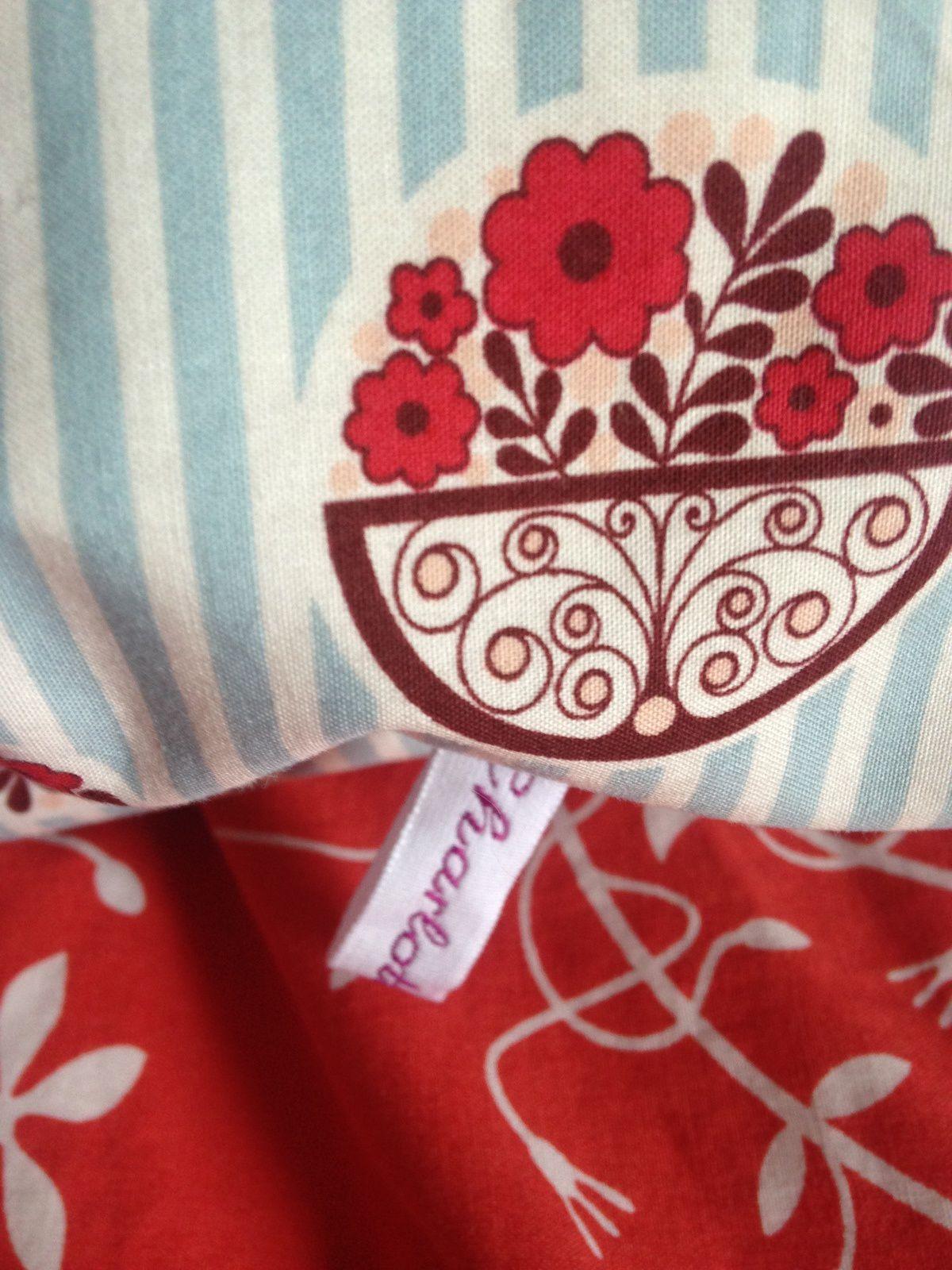 coussin carre de lit dans une taie de traversin kenzo sur charlotteblabla blog*