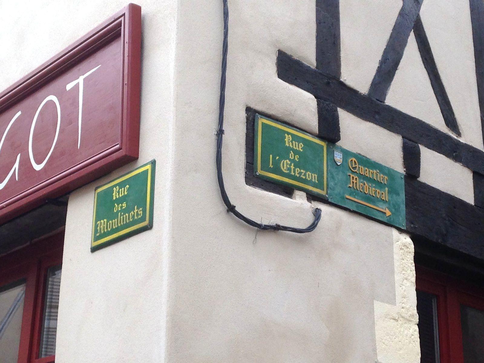 ecriture des villes #billom #auvergne #france #charlotteblabla