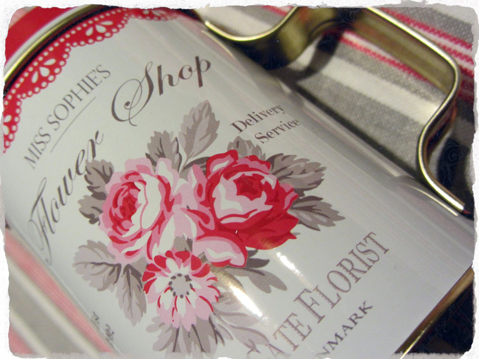 Un goûter d'hiver en rouge, lin et blanc...