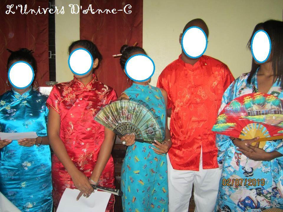 Les tenues Chinoises.... Des Faux Chinois pour représenter les VRAI Chinois..  Saurez-vous me reconnaître? Ou suis-je d'après vous??