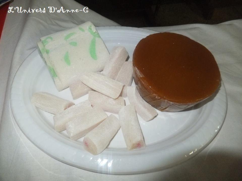 """Les petites douceurs chinoises... """"Gâteau la Cire"""" (Marron) & """"Gâteau la Lune"""" (Blanc)"""