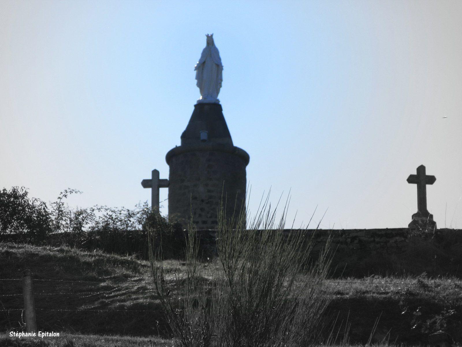 Ambierle 42820, Loire...village de caractère