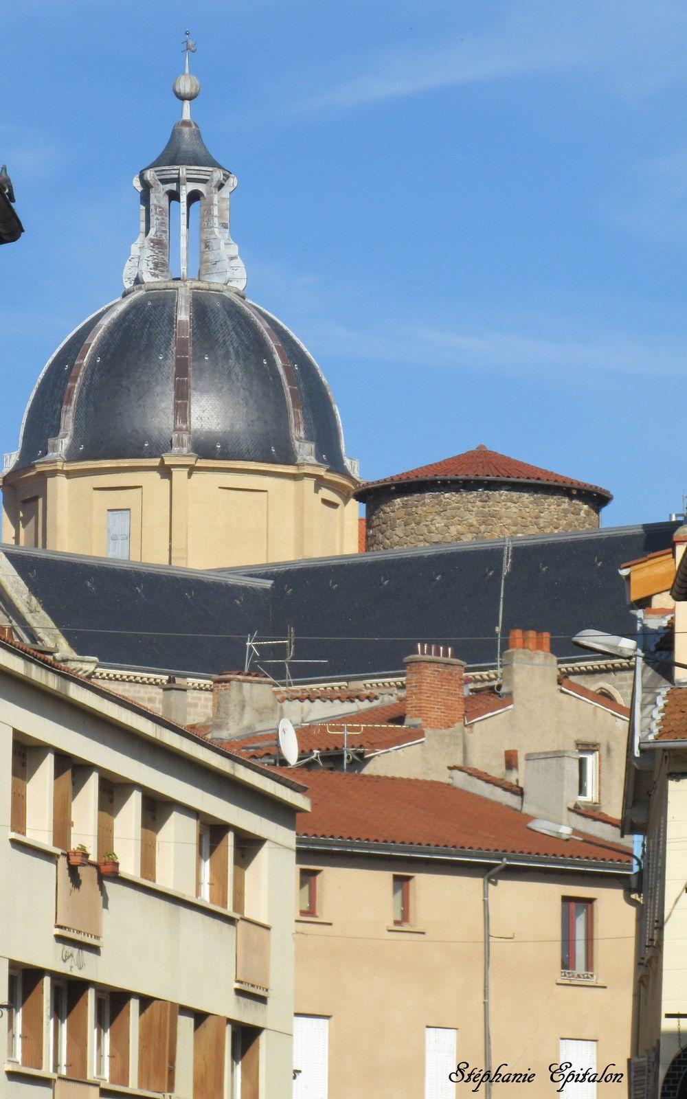 vue sur le dôme du Tribunal et le toit de la Tour de la Barrière