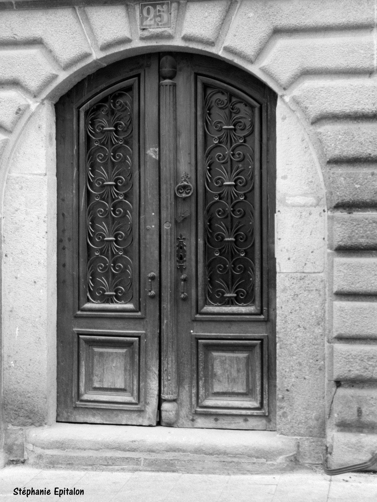La Maison des Henrys, dite maison aux Lions (42600, Montbrison)