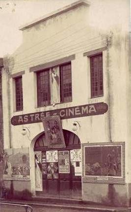 1917 : création, quai de la Porcherie (aujourd'hui quai du Vizézy) du cinéma l'Astrée  par MM. Farjot et Bourges.