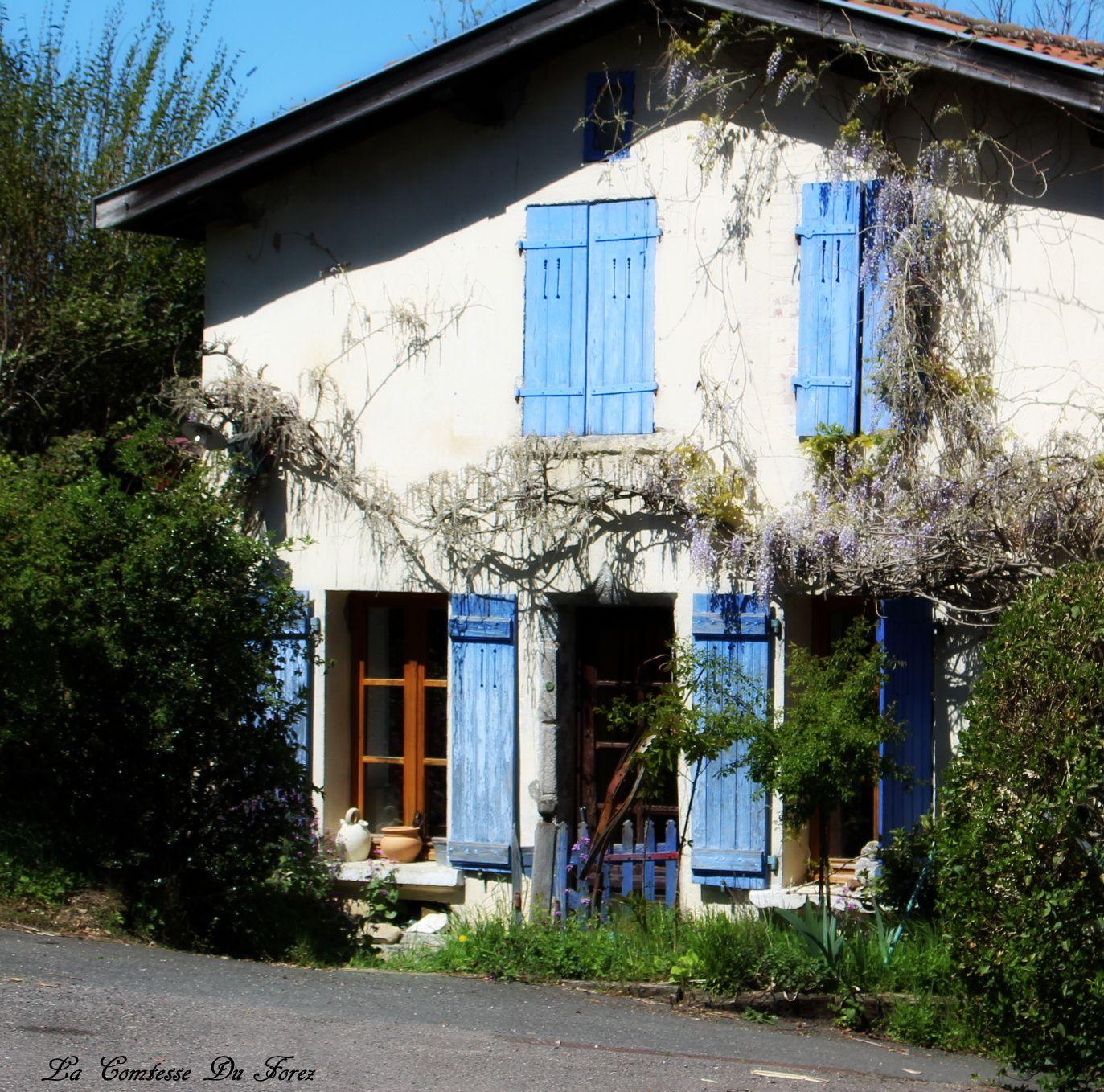 Village médiéval de Cervières (42440, Loire)