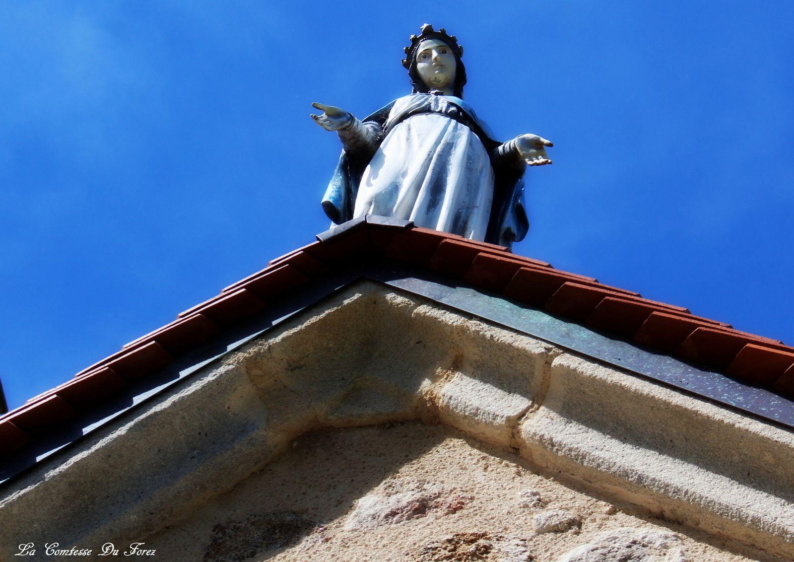 L'église Saint-Etienne (42600 Ecotay L'Olme, Loire)