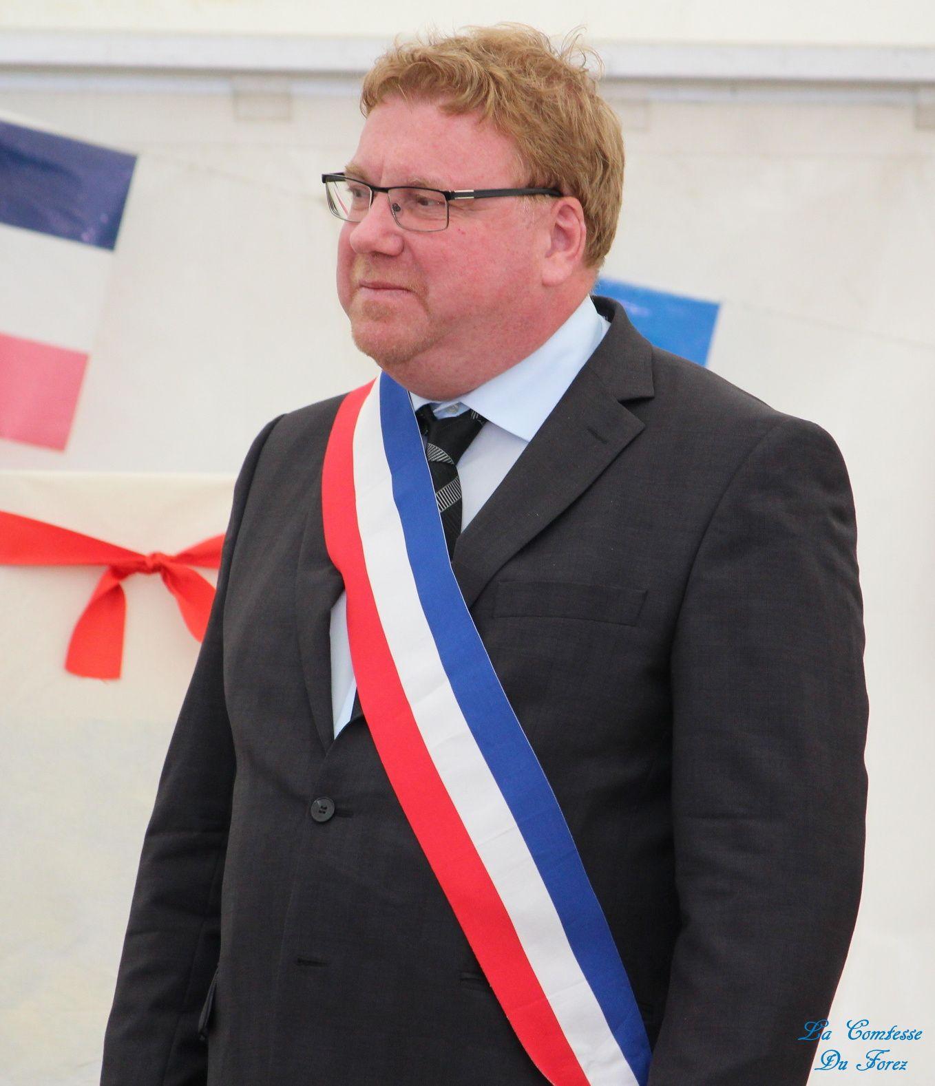 Mr Bretton Maire de Savigneux