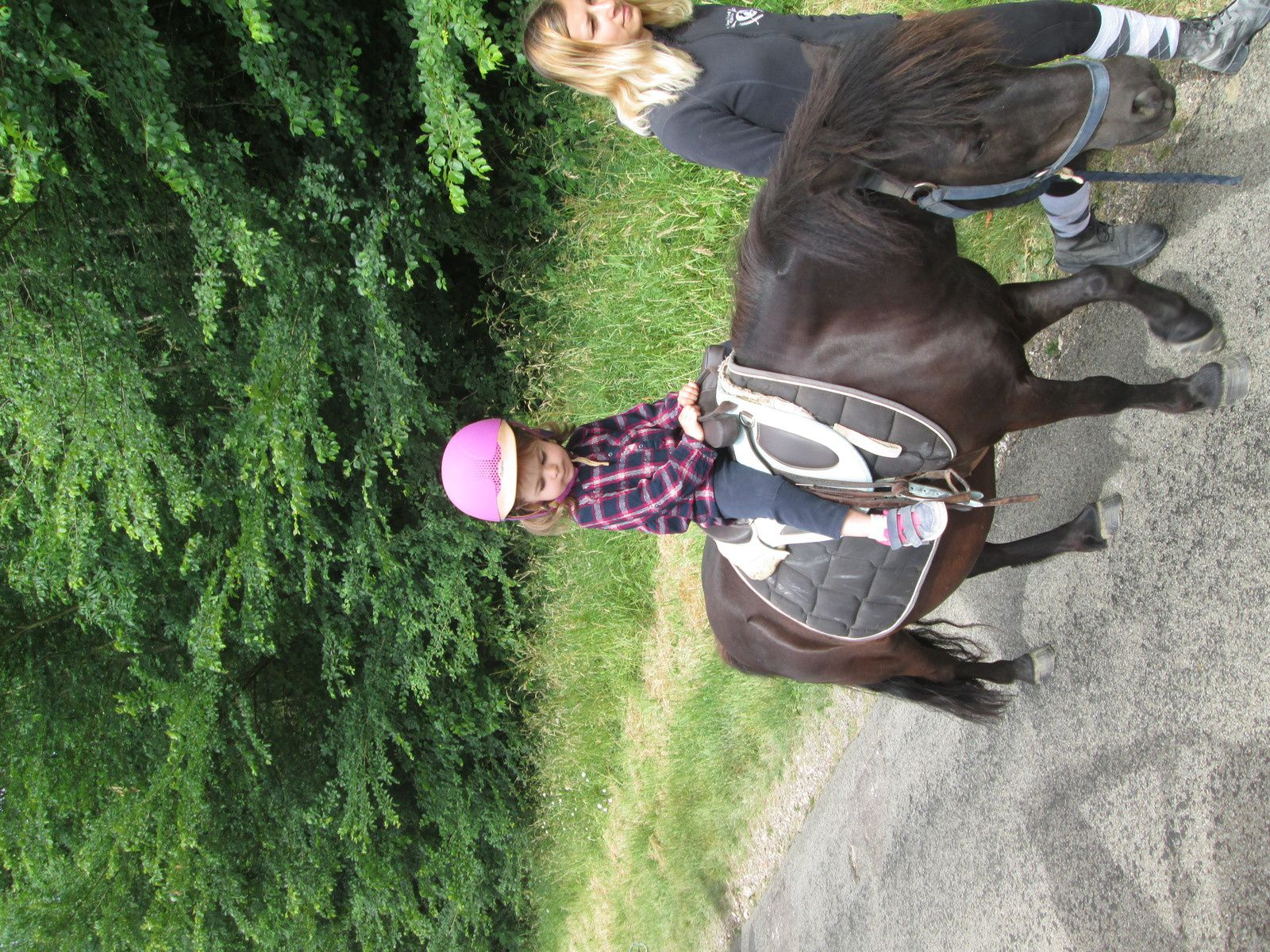 balade a poneys a l'association Lagrange de Limésy