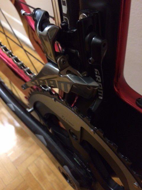 New SRAM RED22 YAW front derailler w/ chain catcher
