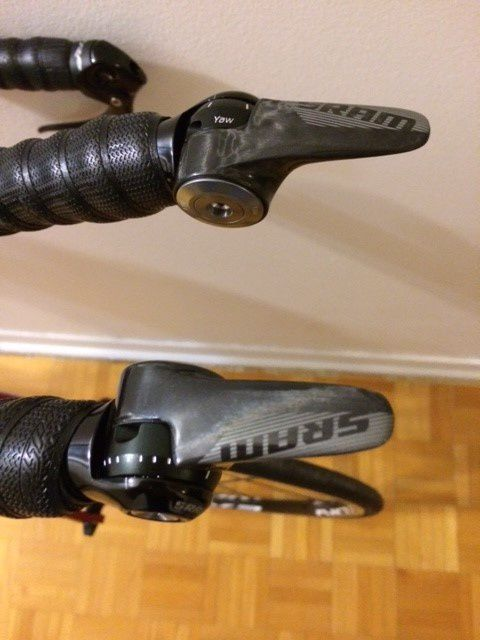 New SRAM RED22 R2C carbon shifters