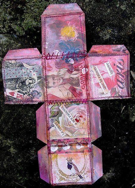 Carton, images, perles, acrylique...