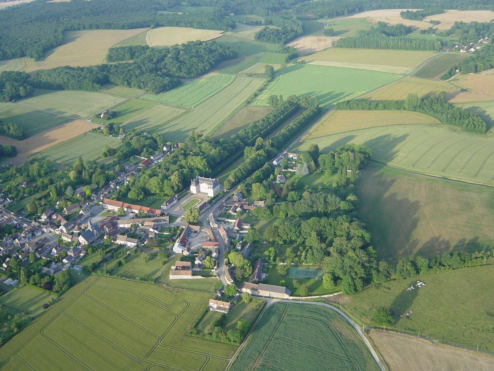 Retour à Boury ! Beau petit village, beau chateau.