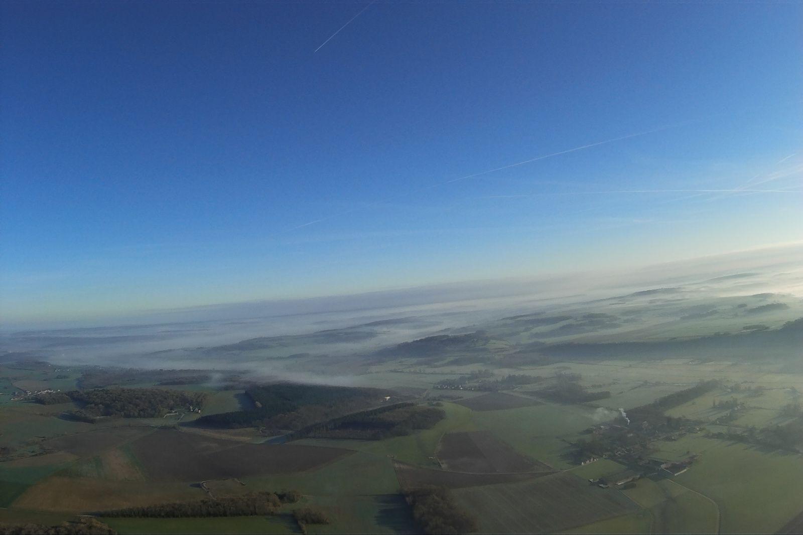 Vol avec les nuages