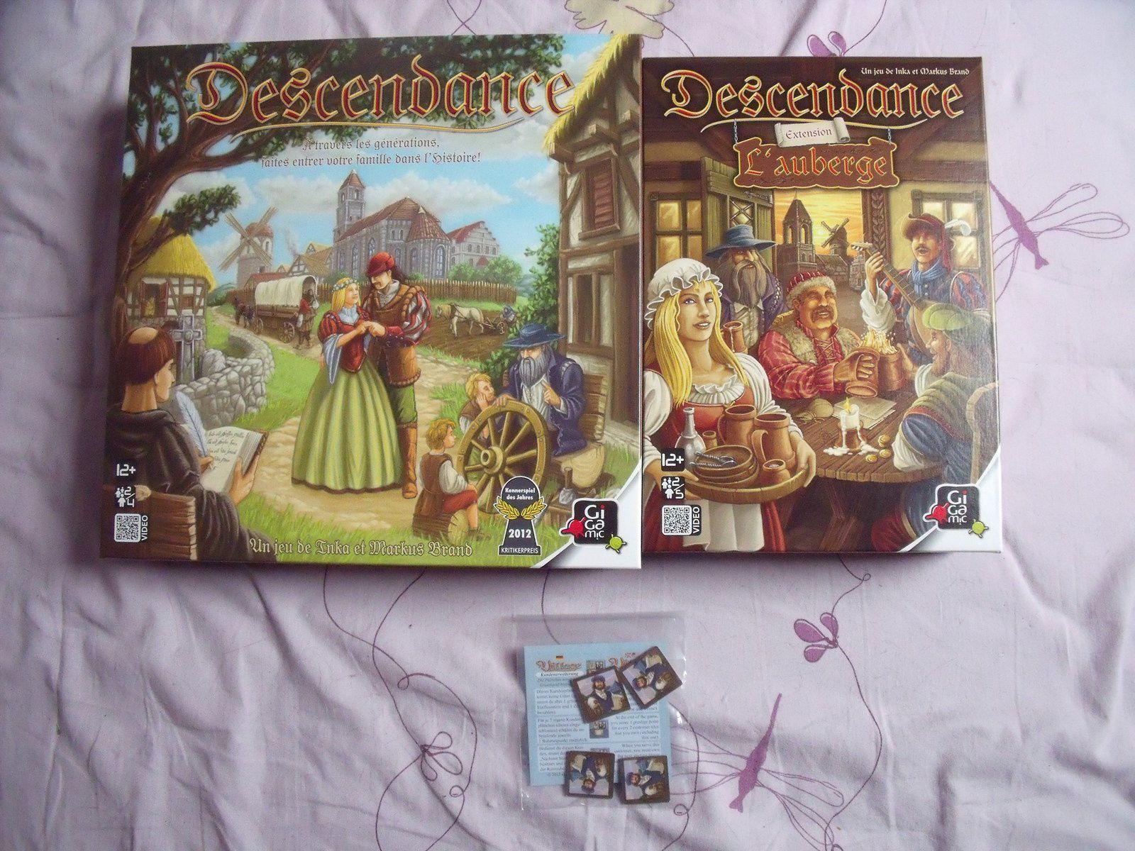 """Enfin, la totale de """"Descendance"""" : le jeu de base, son extension """"L'Auberge"""", et 4 tuiles bonus issues du numéro 47 du magazine """"Plato"""""""