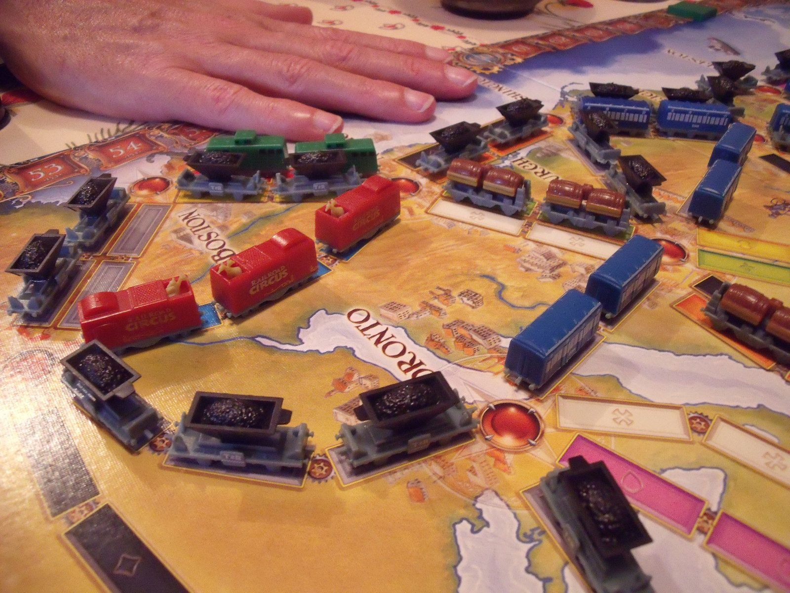 2) Gros plan sur les beaux wagons en question !