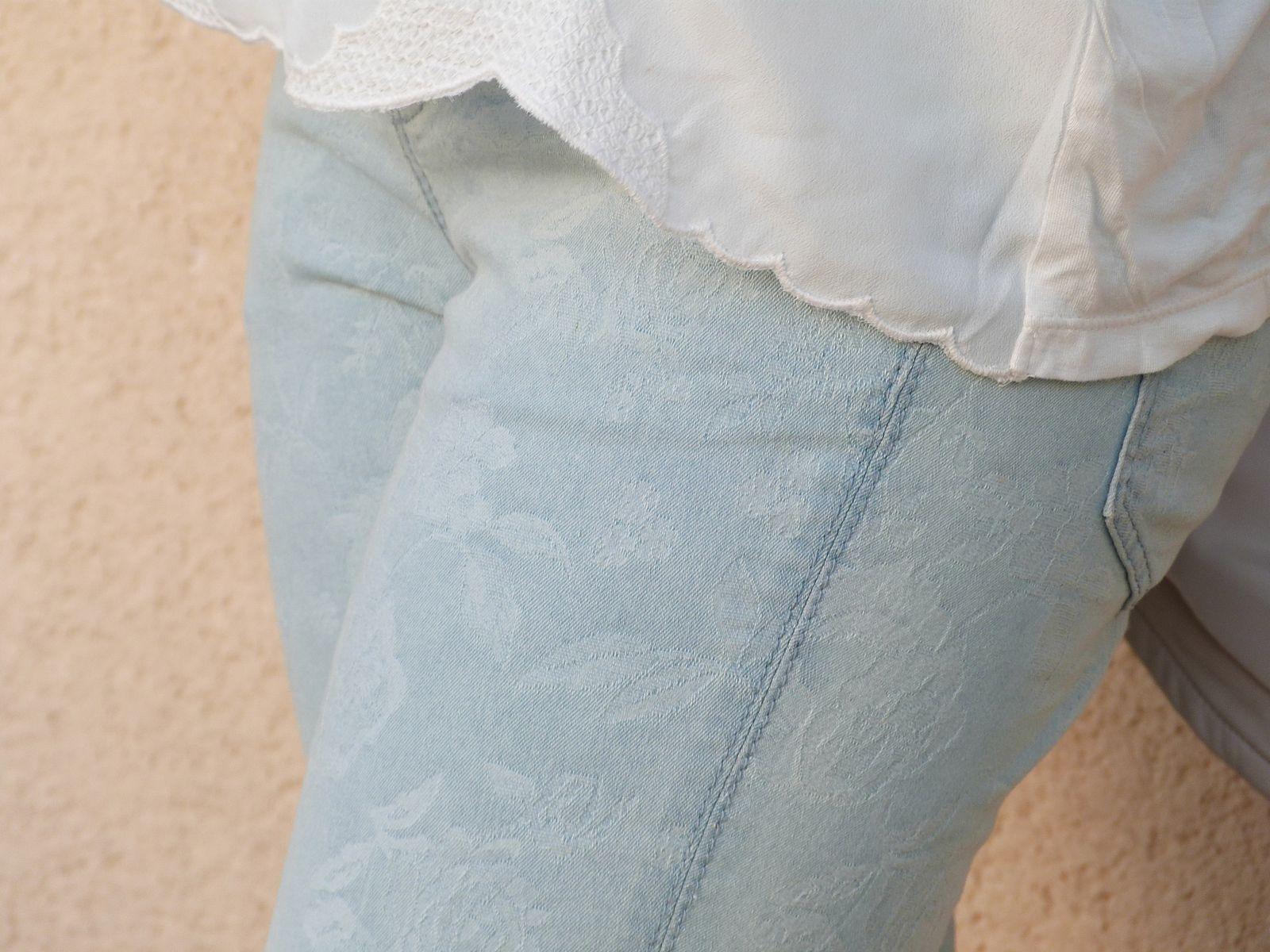 veste :PIMKIE   top :HetM  jeans : PROMOD   bottines : TEXTO.