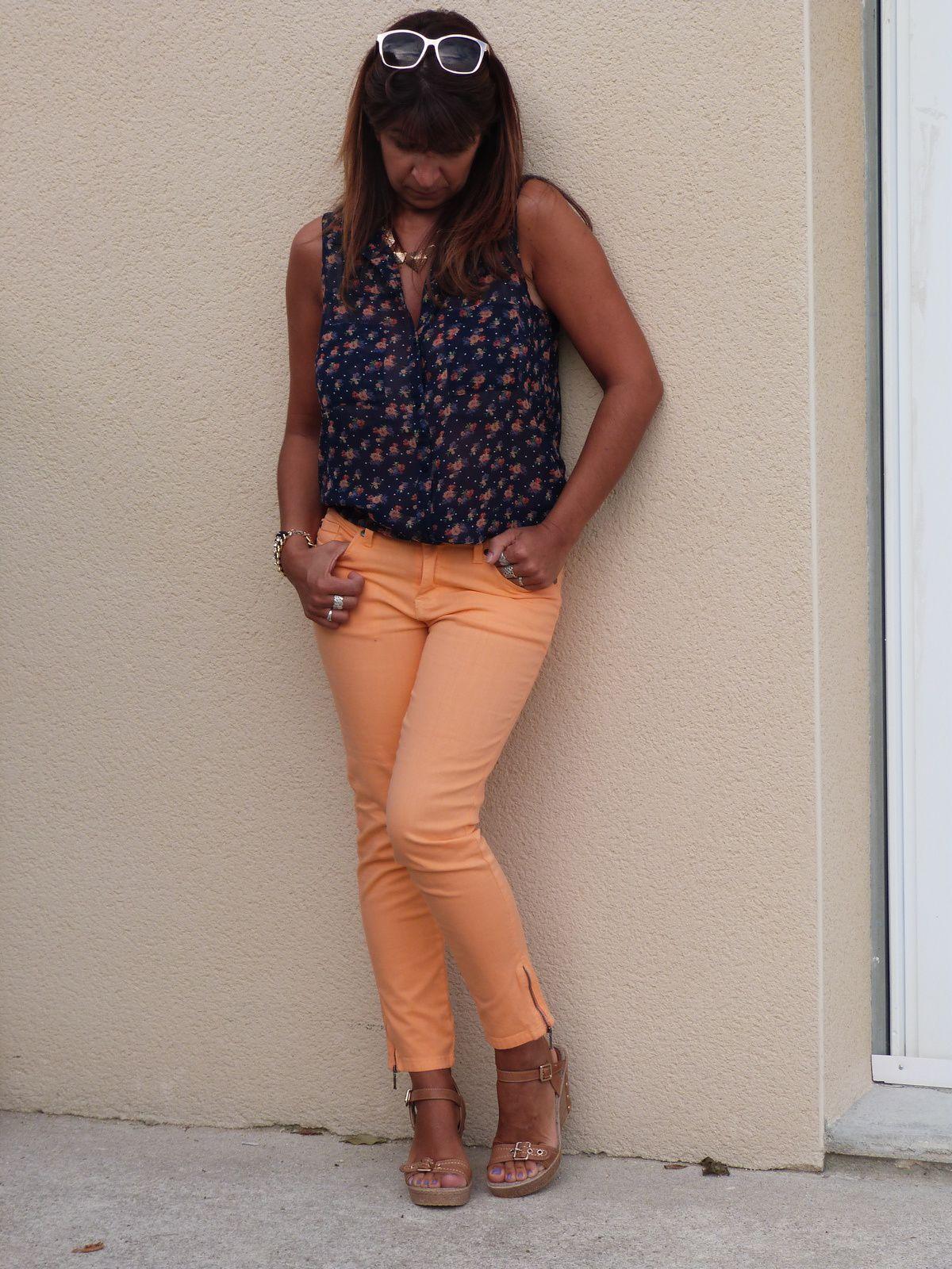 Orange, bleu marine...