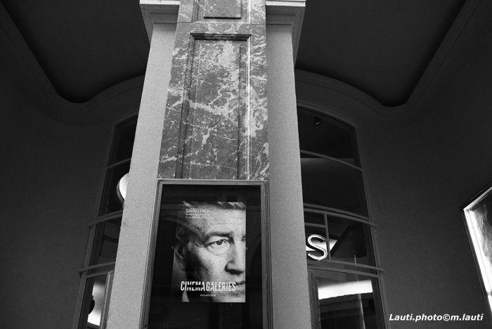 Rétrospective David Lynch, cinéaste, artiste plasticien, designer et musicien.
