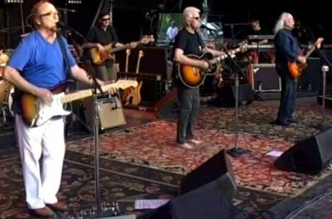 CROSBY, STILLS &amp&#x3B; NASH Albi 07/07/2013