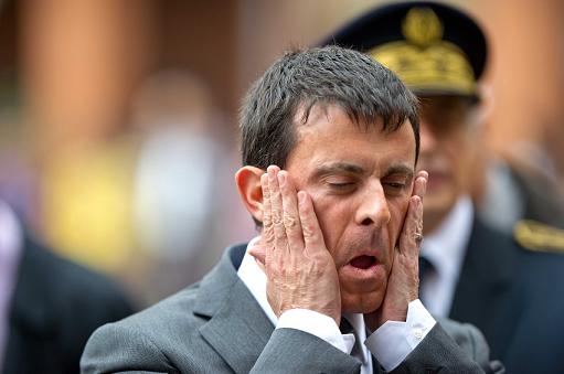 Valls vante les contrats de ville