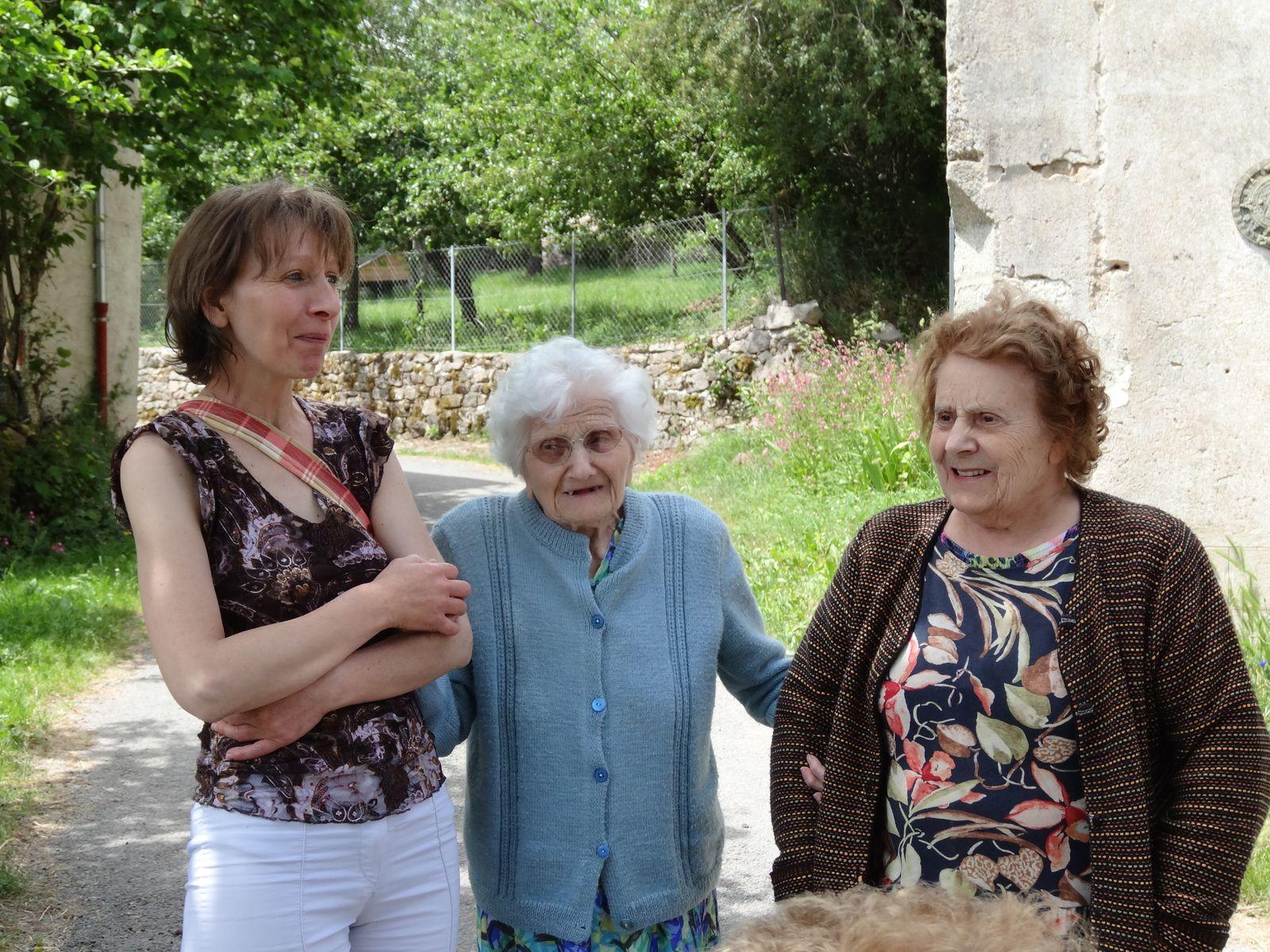 Des résidents de la maison de retraite de Guéret aux Soleils
