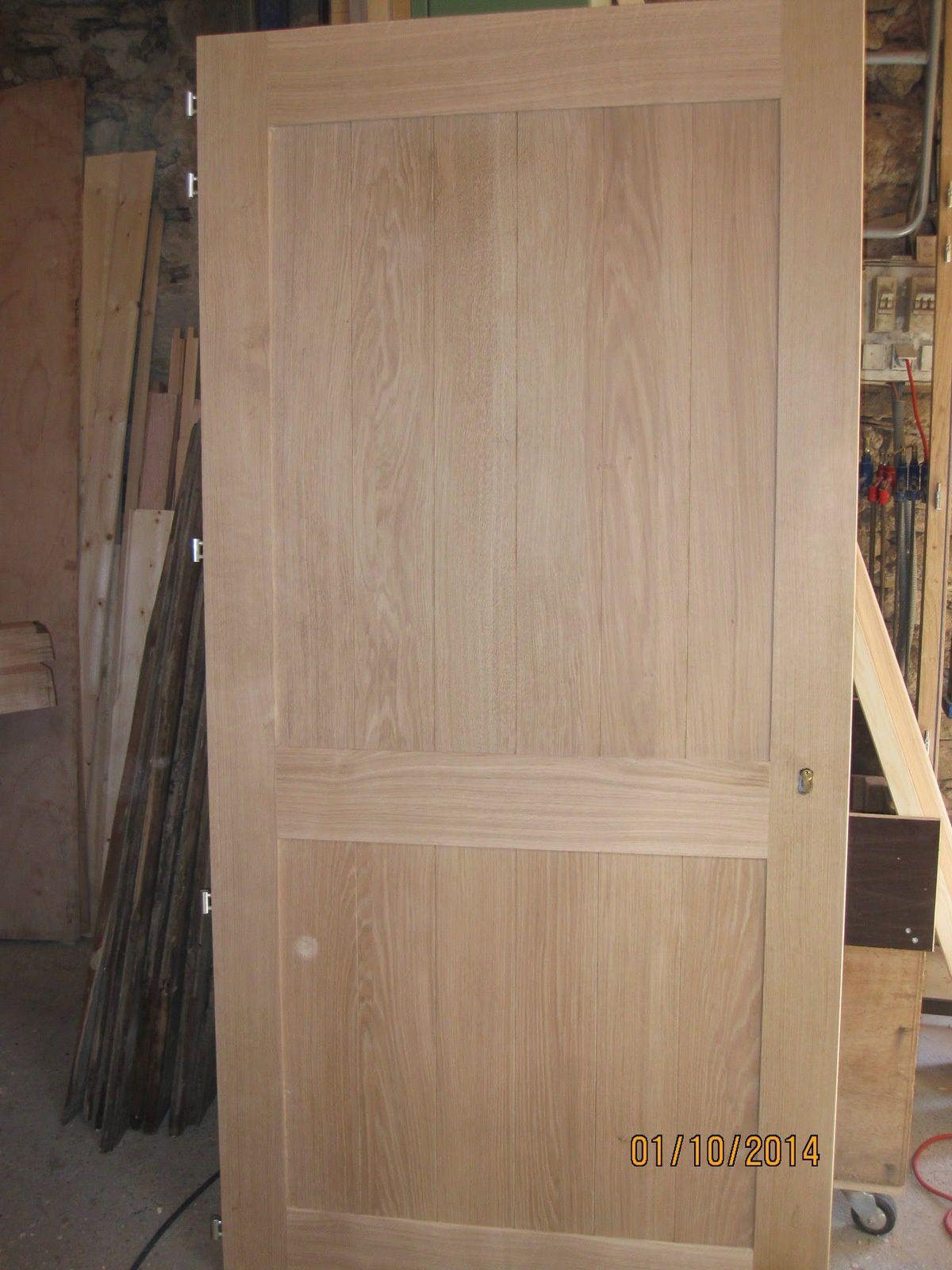 Porte planches horizontales en ext rieur menuiserie for Seuil de porte sur mesure