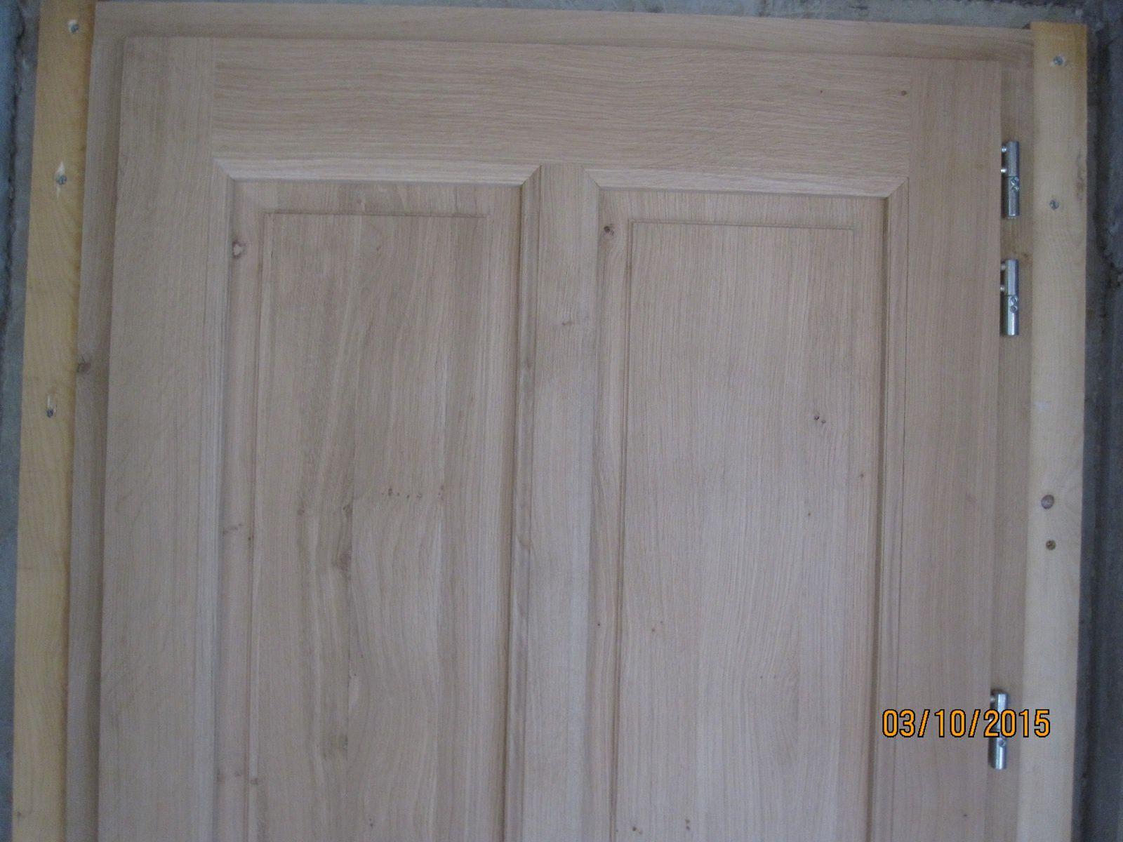 Porte de service bois sur mesure for Porte chene massif castorama