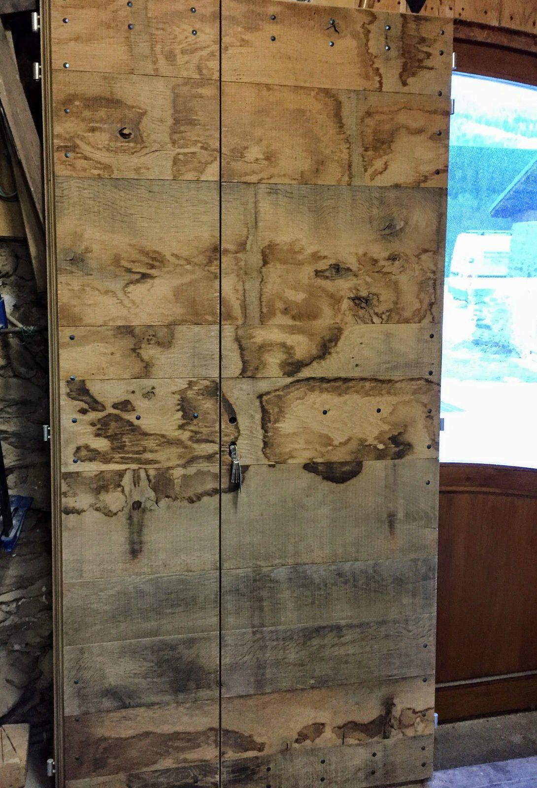 Je peux aussi réaliser d'autres modèles de porte en vieux bois :
