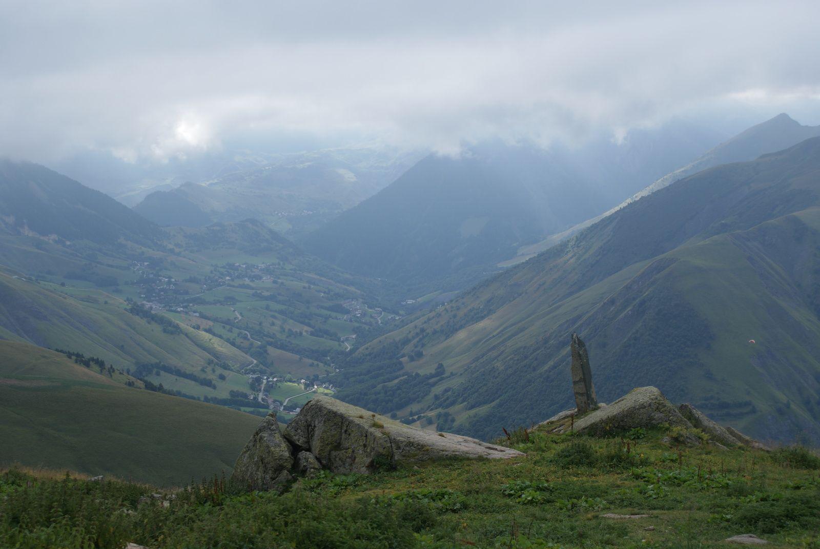 Départ envol parapente et la vallée des Arves (st Jean d'Arves et st Sorlin d'Arves).