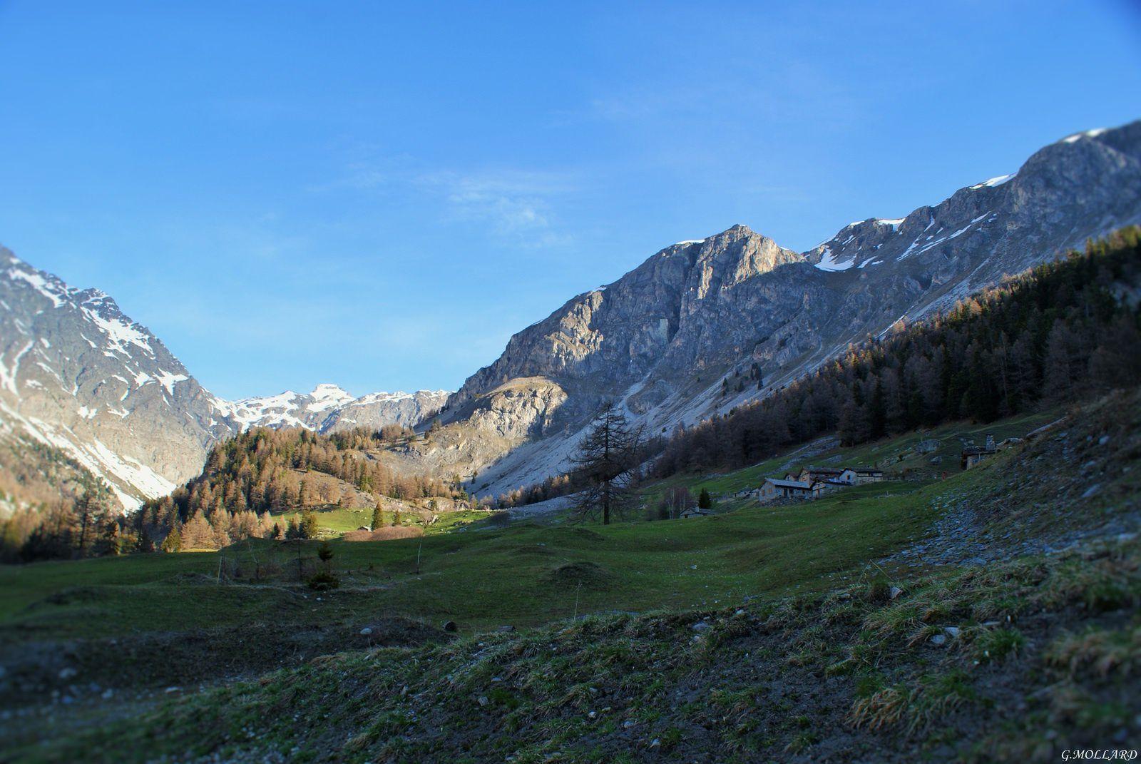 le hameau de Polset 1780m au pied du parc de la Vanoise.