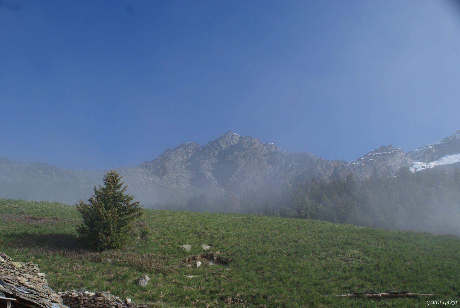 la croix Renod en face 2872 m.