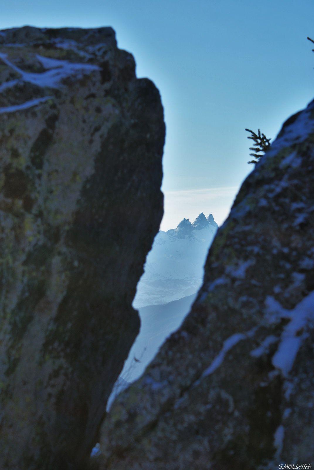 Les Aiguilles entre la fissure du rocher.