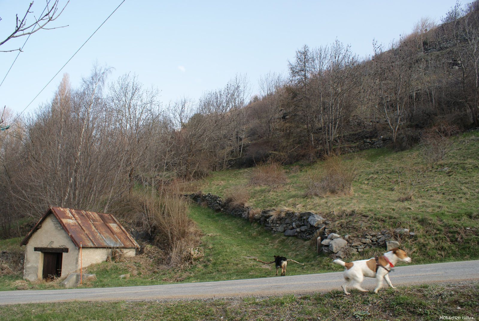 Au départ du hameau de St Etienne, 1150 m.