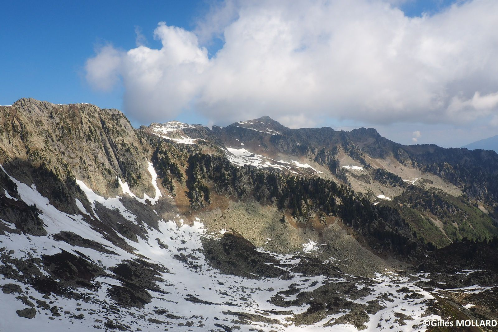 Les cretes de Chatermes 2230 m Massif de belledonne .