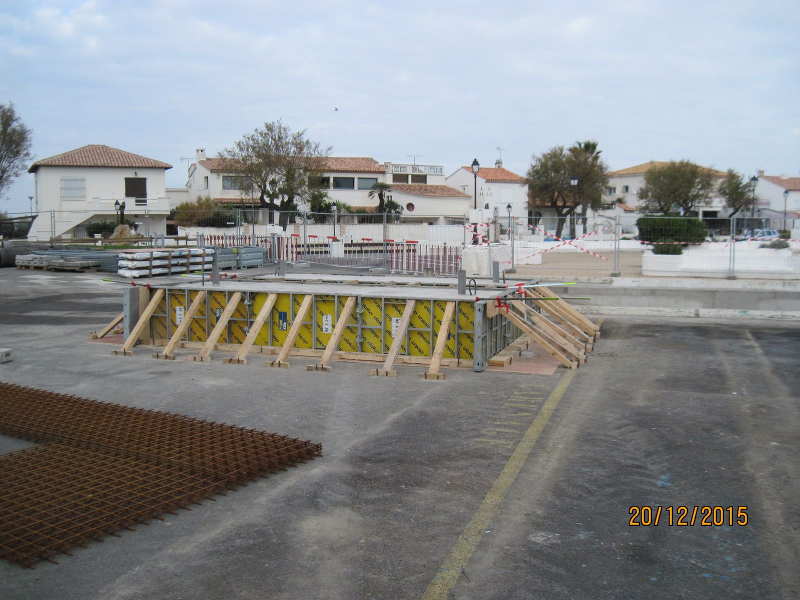 Le port a fait réaliser deux lestes pour les tests de charge du travelift, 35 tonnes au total