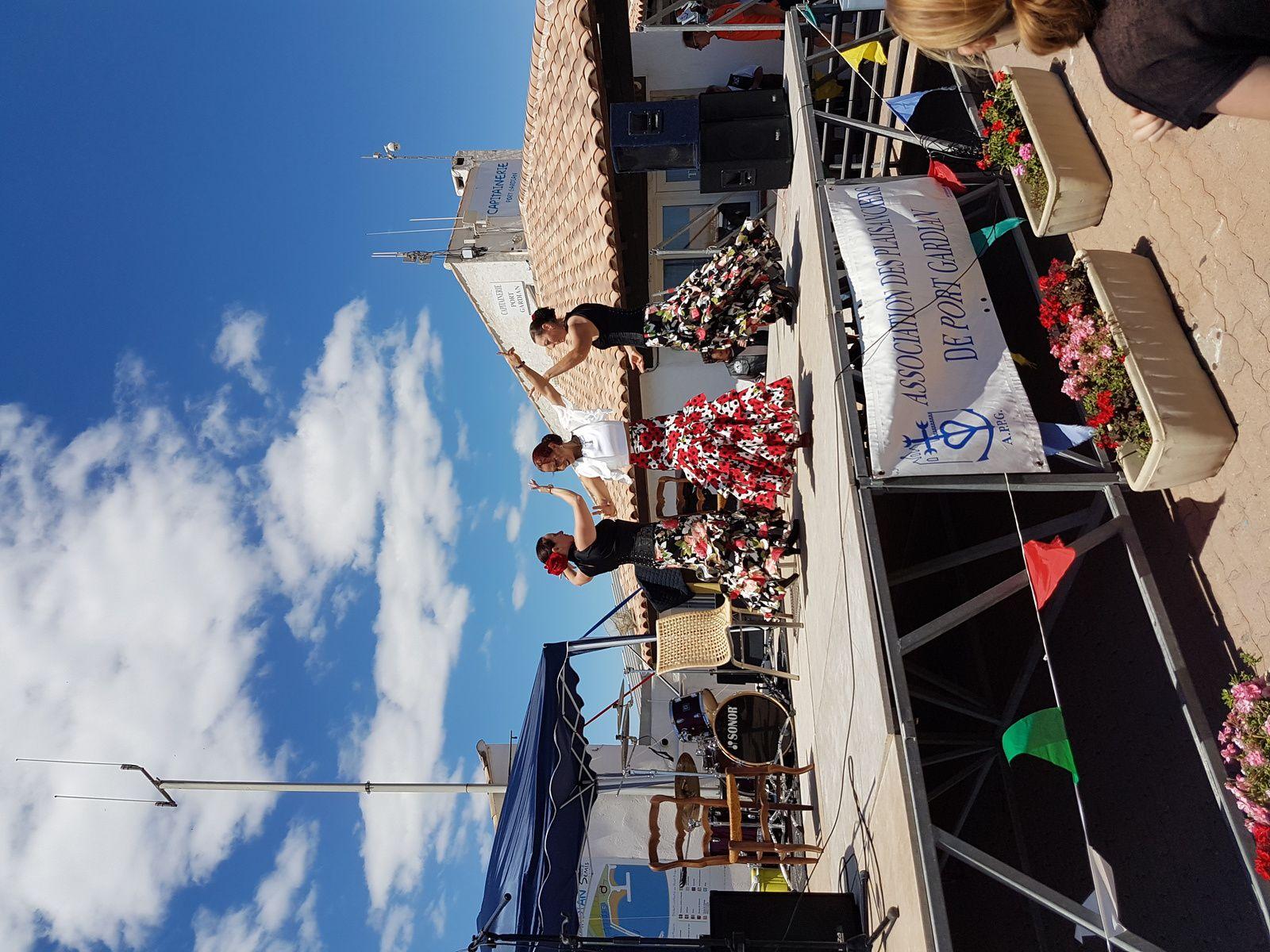 la fête à Port Gardian, Bandas, Pin-up, Flamenco ...